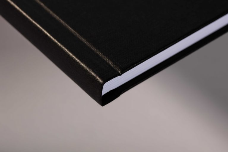 Hardcover schwarz