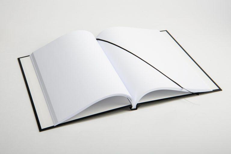 Hardcover schwarz mit Leseband