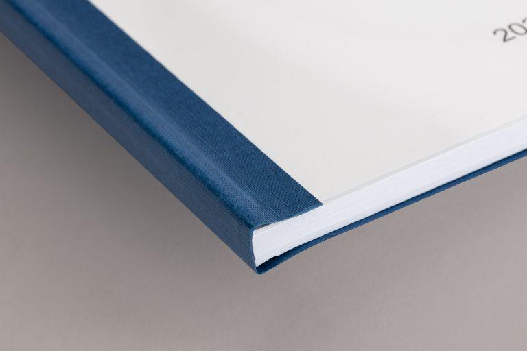 Softcover blau Ecke